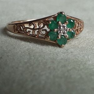 10k gold ring set with natural emeralds & diamond